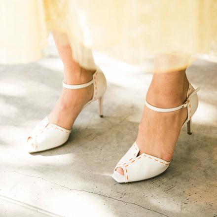 白い靴は、そのものが贅沢な印象だから好き。